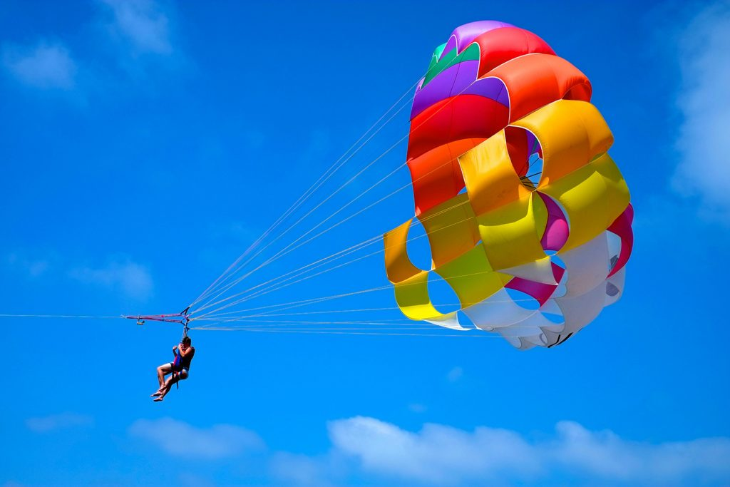 activities_parasailing-jpg